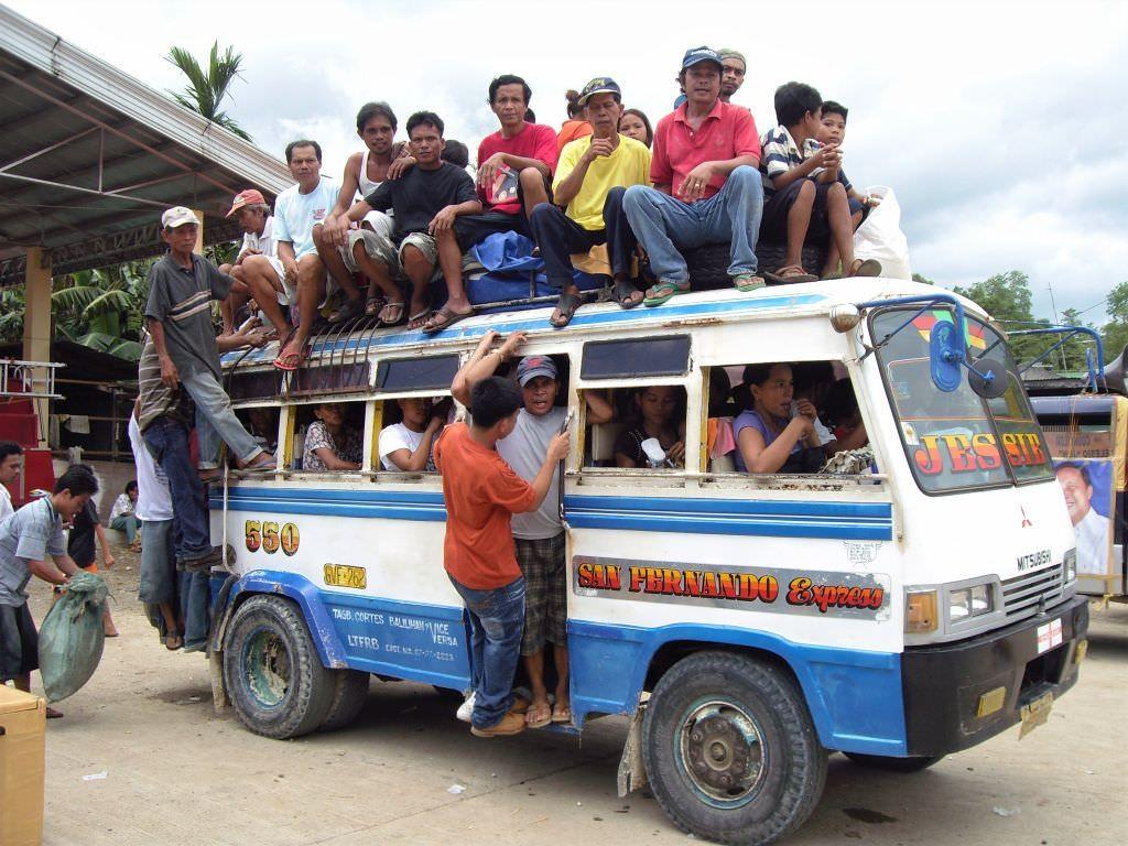 Öffentlicher Bus auf den Philippinen